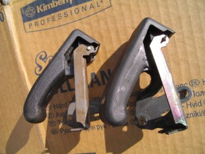 Genuine bonnet lever (left) vs Britpart (right)