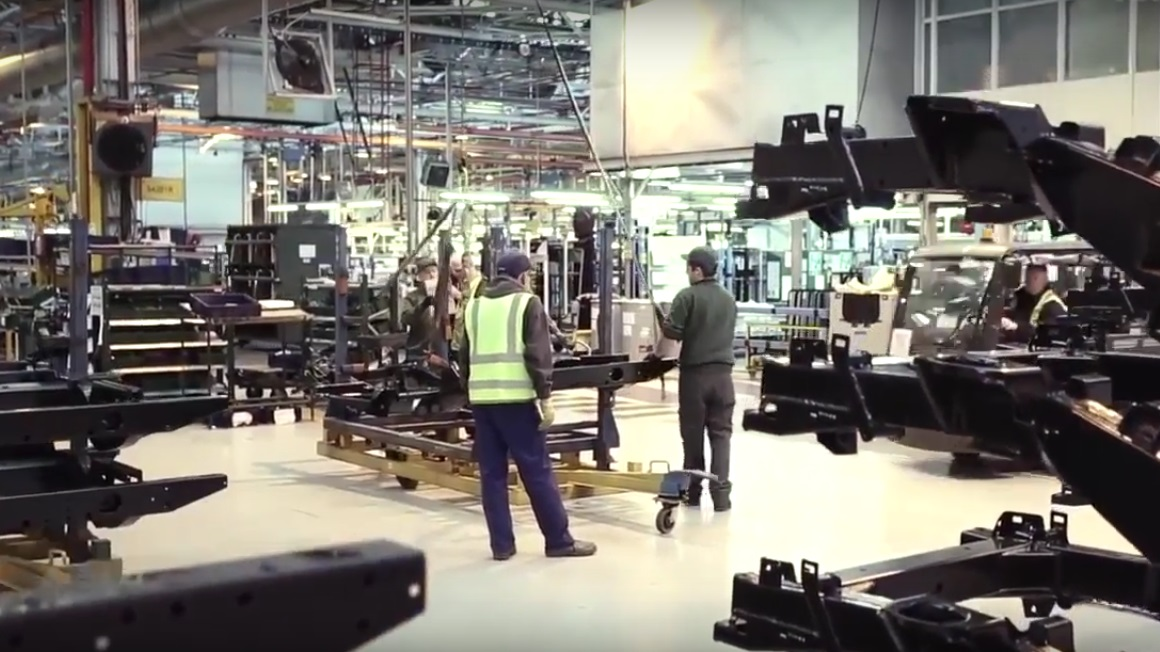 Selecting a Defender chassis at the start of the assembly line