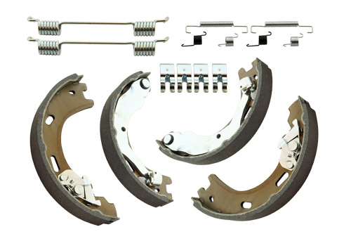 LR031947 - Discovery 3/4 Parking Brake Shoes